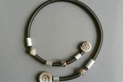 Kautschuk-Alukette mit Keramik u.Glas